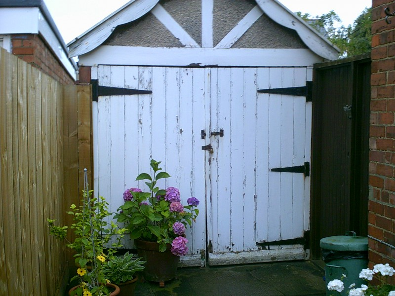 White Insulated Roller Door (Before)