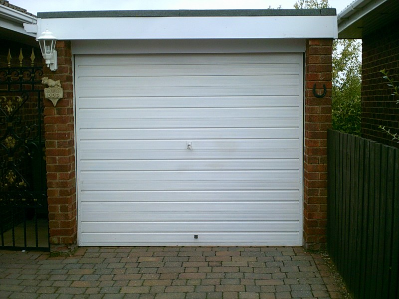 White Insulated Roller Door (Before)
