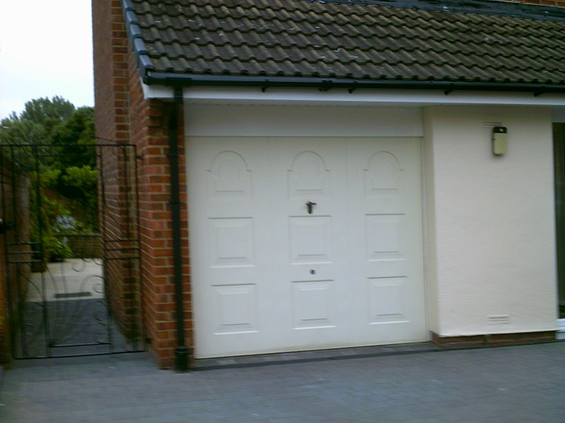 Cream Insulated Garador Sectional Garage Door (Before)