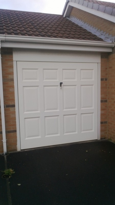 Single Size Rib Style Sectional Garage Door (Before)
