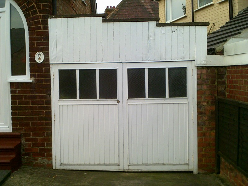 Georgian Style Side Hinged Garage Door (Before)